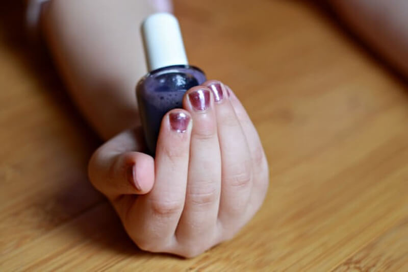 DIY Nail Polish is Perfect for Kids and Summer Pedicures ...